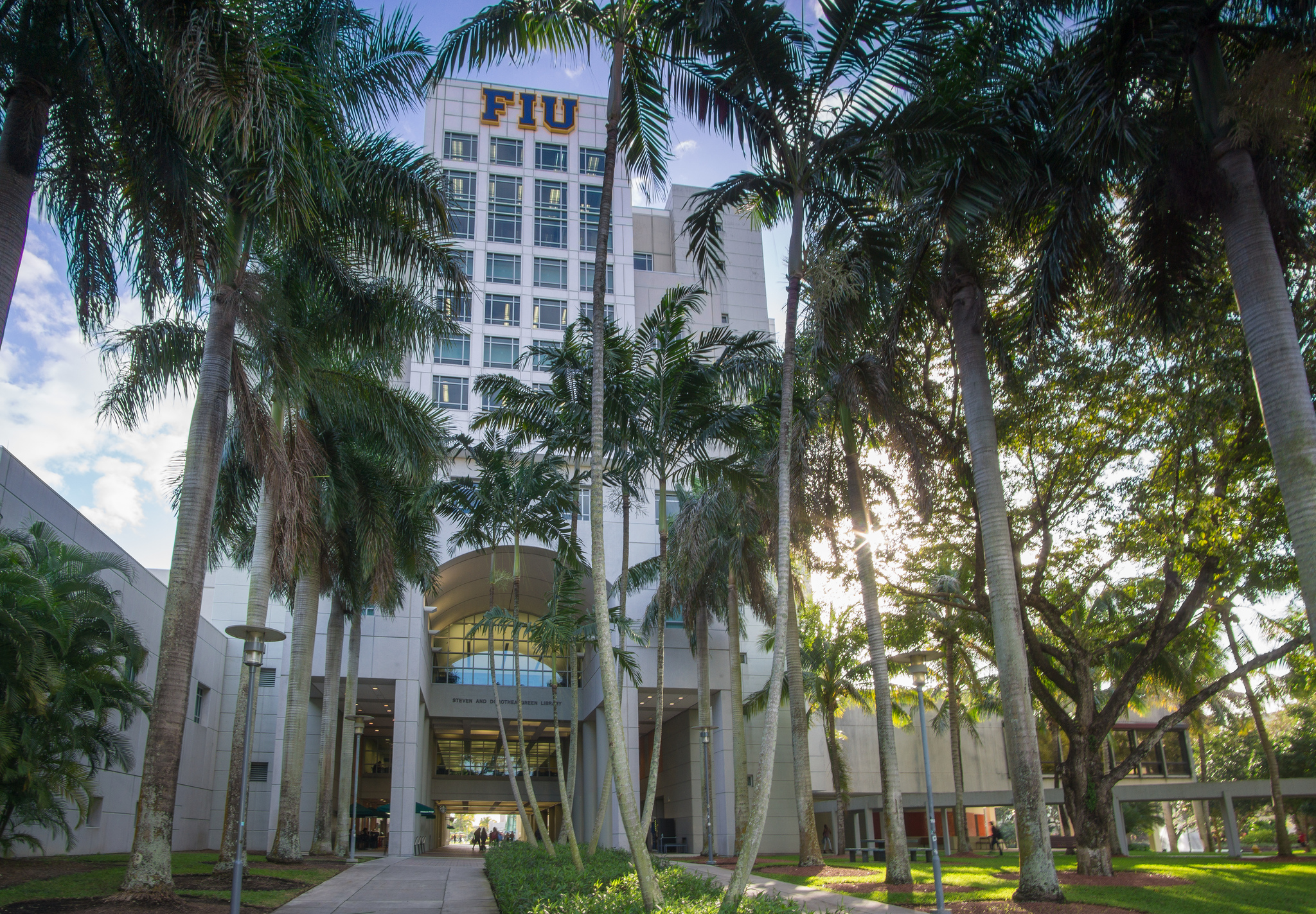 FIU achieves top rank in Carnegie research classification