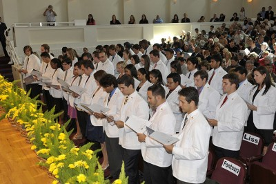 FIU Wertheim College of Medicine to Welcome Class of 2016 in White Coat Ceremony