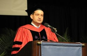 Former dean Alex Acosta to deliver keynote at law graduation