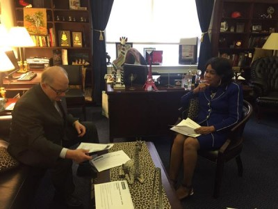 President Rosenberg meets with Congresswoman Federica Wilson in the capitol.