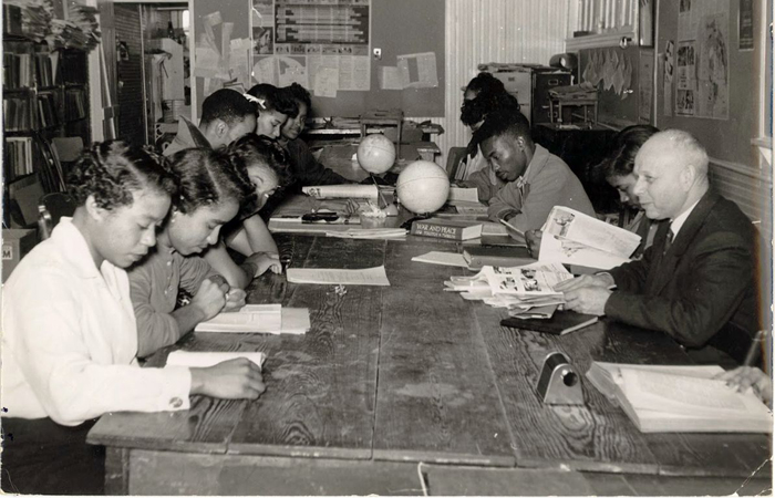 Professor Ernst Borinski teaching in the Social Science Lab, Tougaloo College, MS, ca. 1960. Photo courtesy of Mississippi Department of Archives and History.