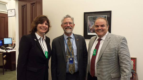 From left to right: Evelyn Gaiser, John Holdren, and Xavier Cortada.