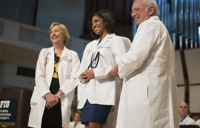 College of Medicine welcomes largest class at White Coat Ceremony