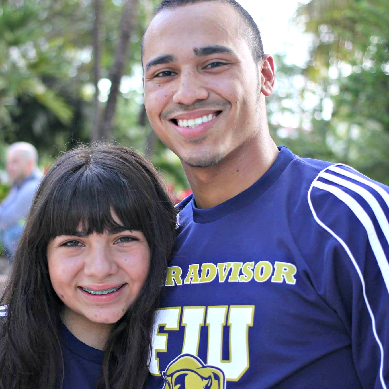 William Solis (right) with fellow peer advisor Ginelle Bou Nassar at FIU.