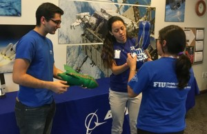 Students network with Boeing professionals