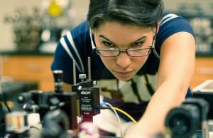 NSF awards FIU $3 million for national pilot program to increase female physics majors