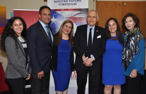 Members of the Puerto Rico Alliance of Florida with Mayor Maurice A. Ferre