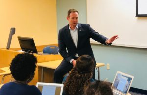 Former congressman speaks with students, shares advice