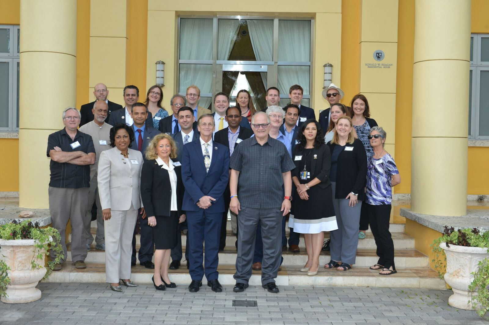 Rosenberg honors FIU's 2016 Top Scholars