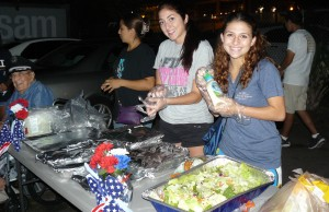 Students served 185 meals to the homeless in Orlando.