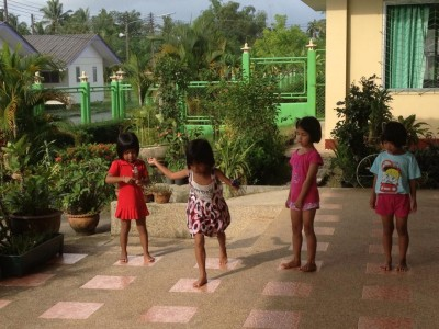 Girls playing at Thai orphanage where Gershman taught health in 2013
