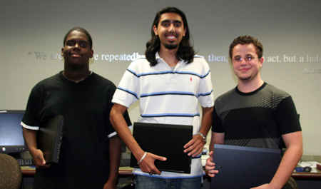 Honors College students win laptop computers
